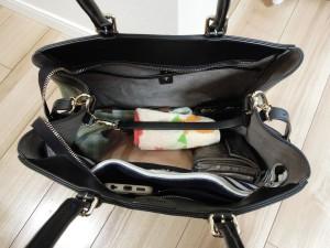 バッグの中身の写真2