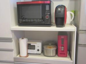 正面から見たキッチンに置いた写真