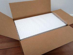 パンプスの中の箱写真